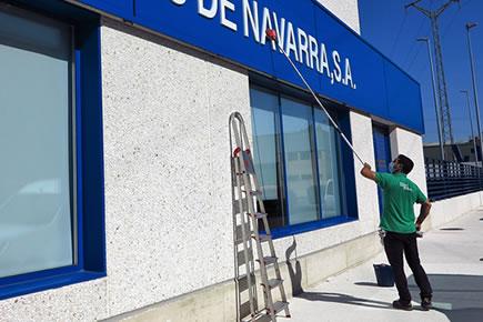 Limpieza de locales comerciales en Pamplona